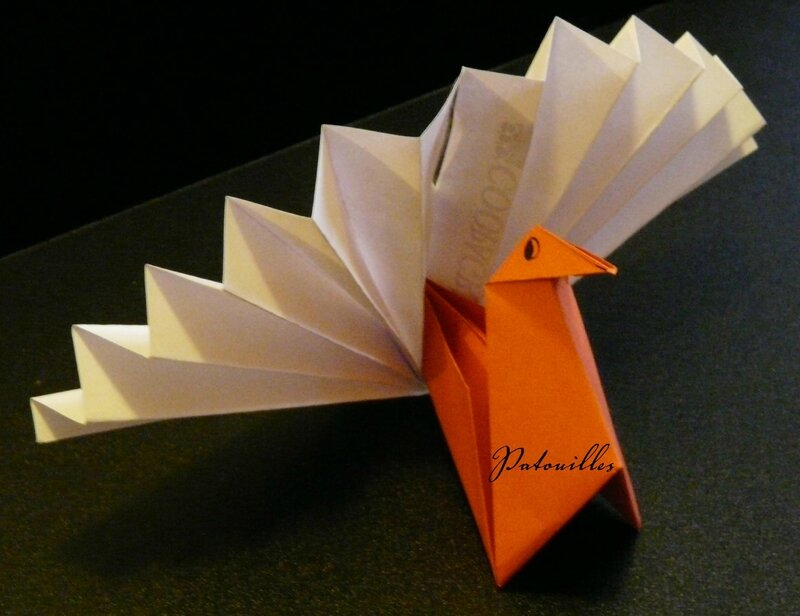 Origami paon