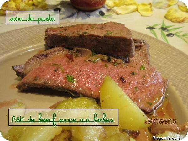 Rôti de boeuf sauce aux herbes et pommes de terre rôties.Quel saveur..........