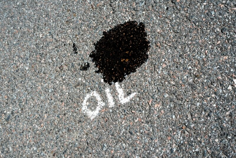 driveway-oild-stains-removing-oil-stains-removing-driveway-oil-stains-asphalt-oil-stains-diy-removal-annapolis-maryland