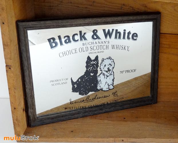 objet pub miroir publicitaire black white whisky mulubrok brocante en ligne. Black Bedroom Furniture Sets. Home Design Ideas