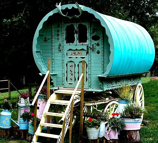 gypsy-in-your-soul-gypsy-style-tiny-bohemian-homes--free-spirited-living-the-flying-tortoise