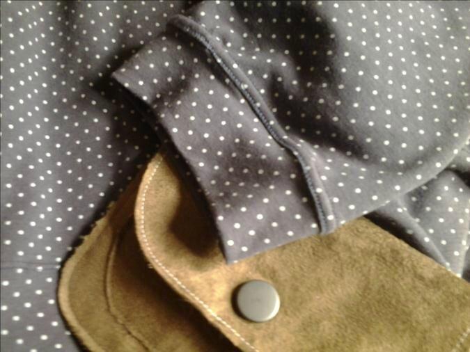 Coudre une jolie robe en jersey, couleur douce, rien que pour moi et un pantalon assorti pour la bambinette ;)
