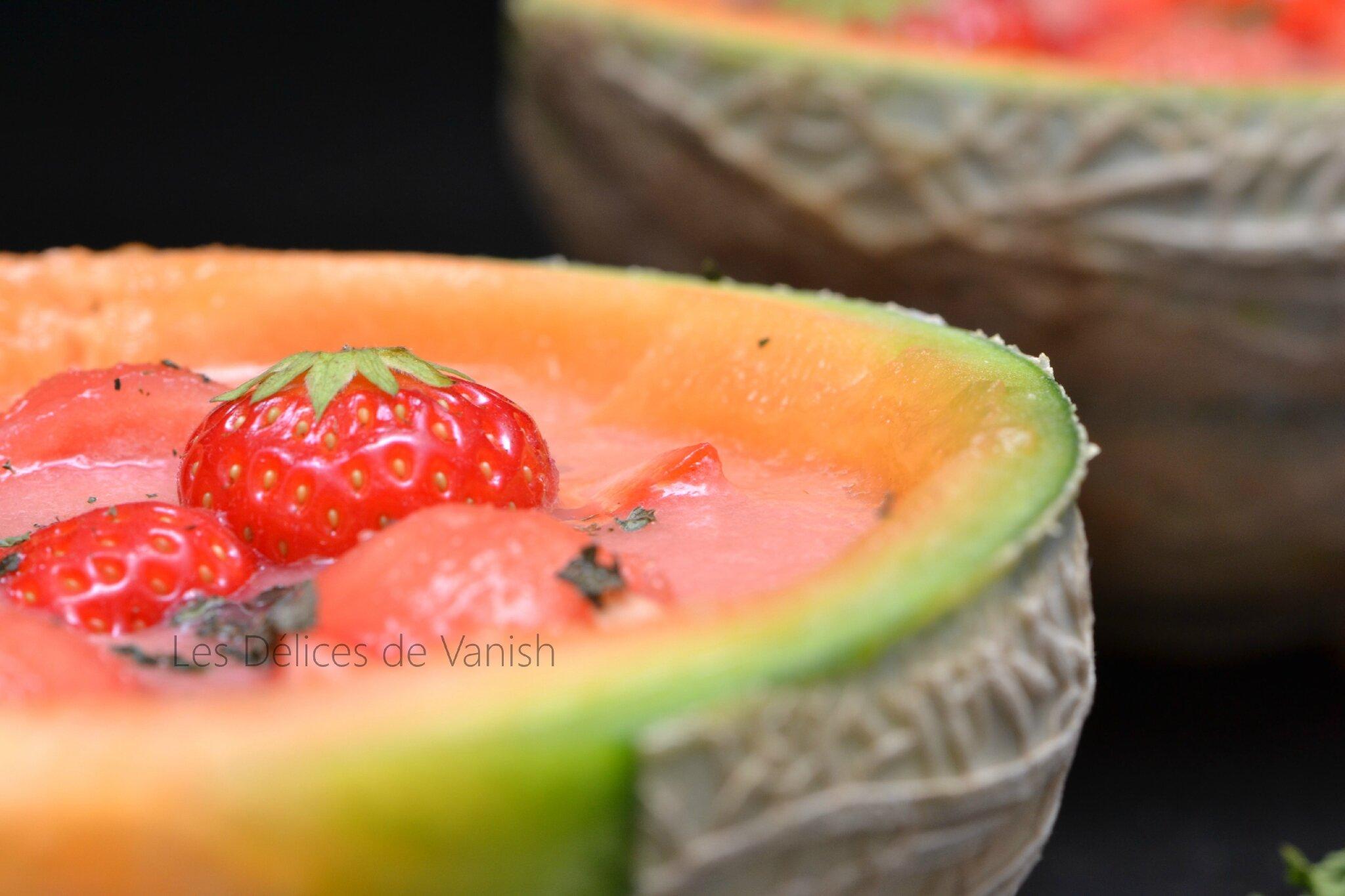 Soupe glacée fraise melon gingembre et dés de pastèque