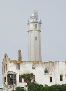 220px-Alcatraz_lighthouse_in_2007