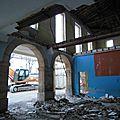 Démolition des planchers du bâtiment latéral