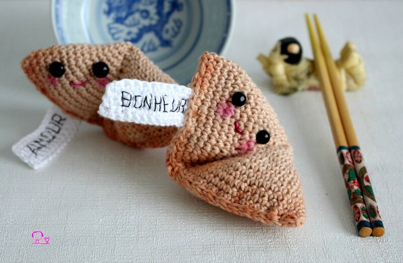 diy-fortune-cookie-crochet