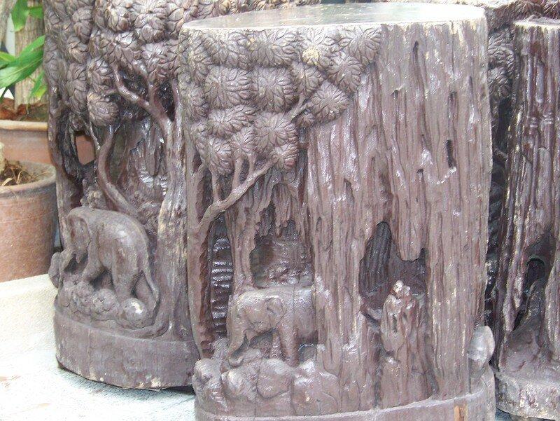 tabourets sculptés
