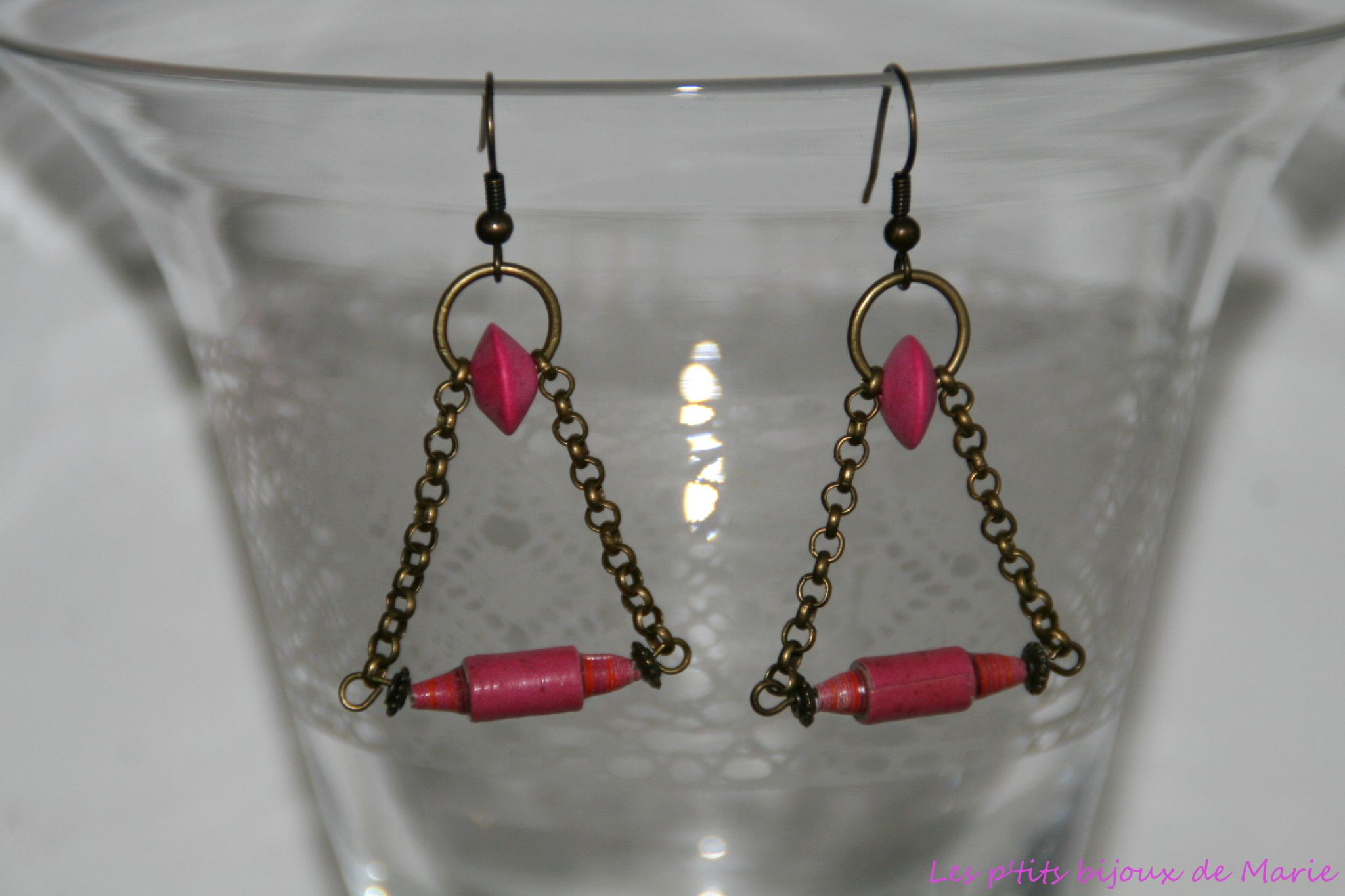 Boucles triangle fuchsia