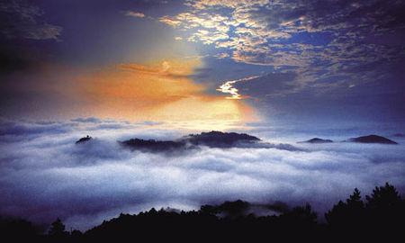 La_mer_de_nuages_de_Motianling