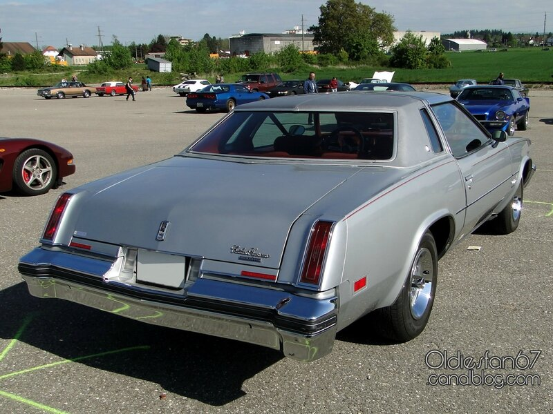 oldsmobile-cutlass-supreme-brougham-coupe-1977-02