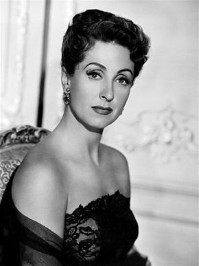 290px-Danielle_Darrieux_Five_Fingers_2
