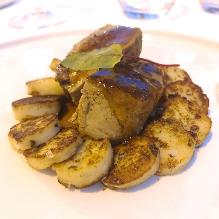 Le veau mariné à la myrte, sel de Maldon, gnocchi à la pommes de terre aux herbes du maquis (1)