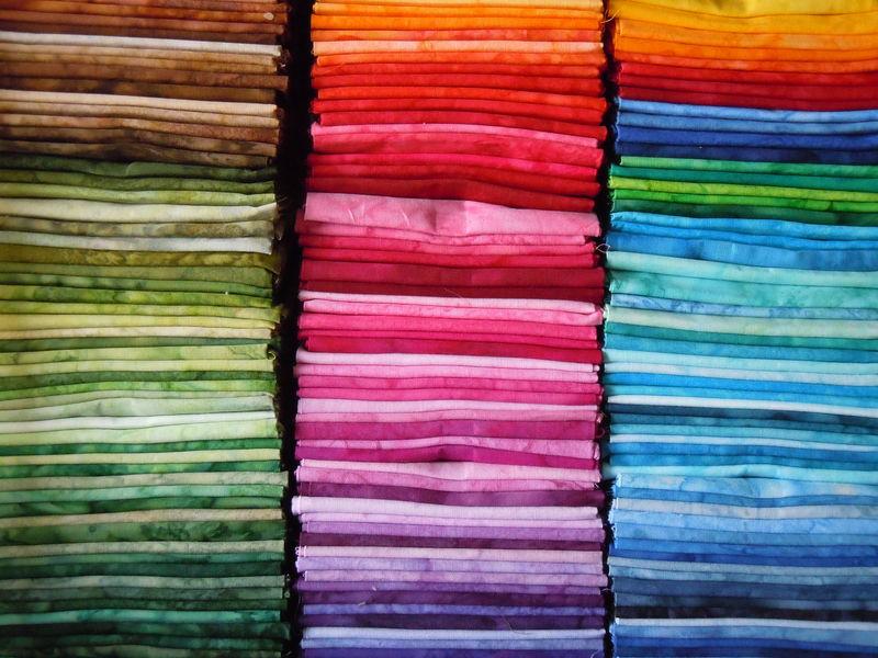 Tissus fats batik toutes couleurs album photos cecilepatch - Les couleurs de tissus ...