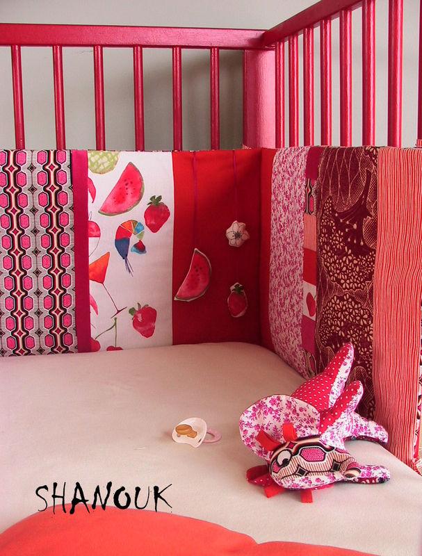 table rabattable cuisine paris couture tour de lit bebe. Black Bedroom Furniture Sets. Home Design Ideas