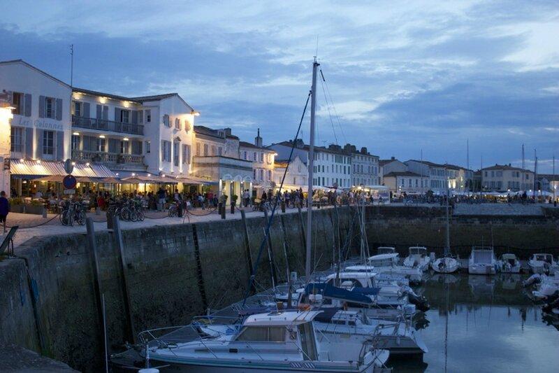 Saint-Martin by night