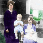 1919_della_and_gladys_with_jackiehermitt_berniece_2