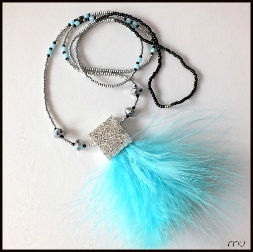 collier plume1
