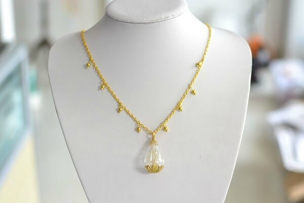 necklace-making-for-beginners-e28093-instructions-on-a-long-gold-chain-necklace-with-pendent-6