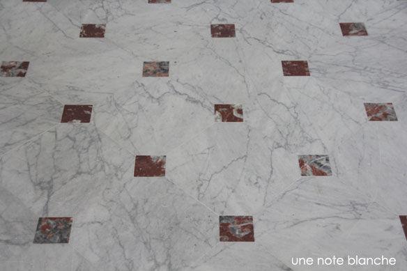 palais_du_pharo_visite_sol_marbre