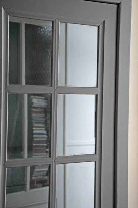 armoire-vitree-noire-vitre
