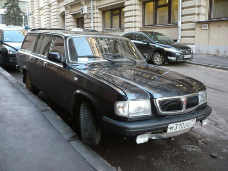 GAZ_Volga_3110_break_Moscou__1_