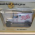 Y-12 Ford Model T Pepsi-Cola (noir-blanc-noir) Box A 1