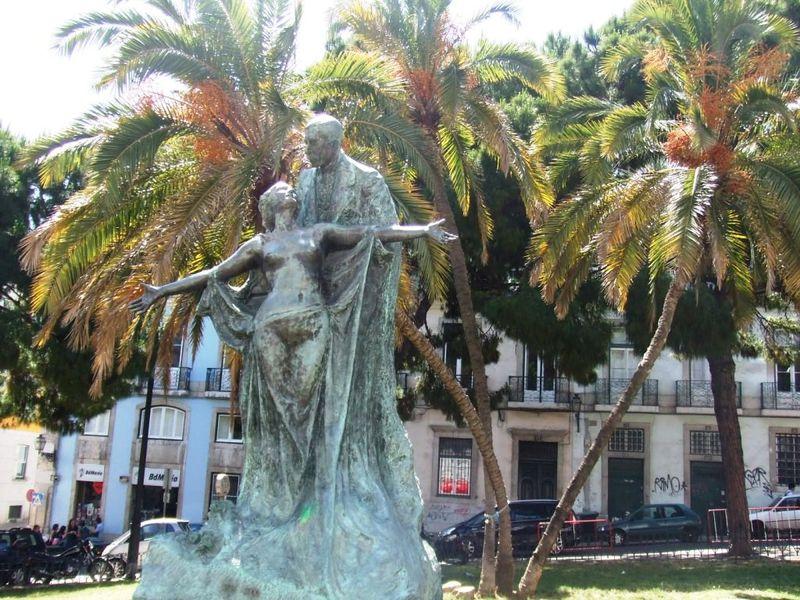 j1 statue