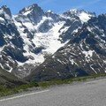 Les premires pentes du Galibier toujours sous le regard de la Meije.