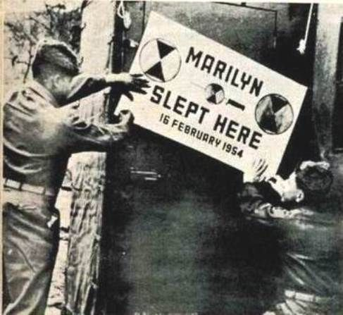 1954-02-17-7th_infantry-marilyn_slept_here-1