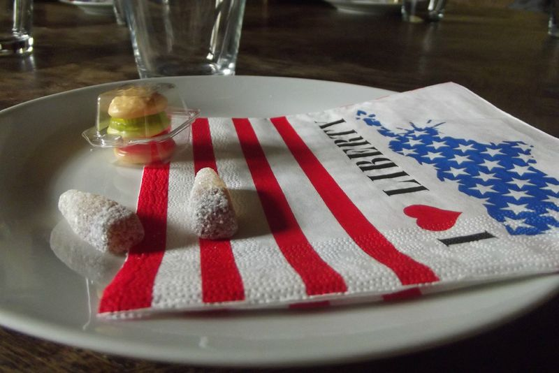 Idee de decoration de table repas usa petit cordon bleu for Idee deco usa