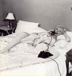 1952_marilyn_monroe_in_bed_020_010_by_bob_beerman_1