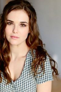 ZoeyDeutch