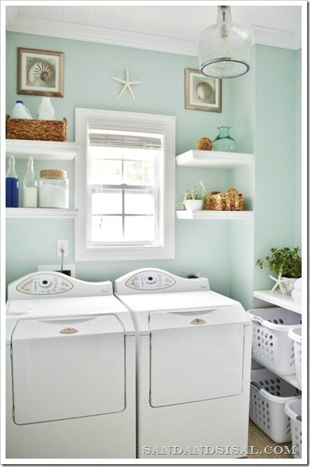 beach-laundry-room-makeover-533x800_