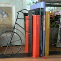 Διακοσμηση τοιχου και βιβλιοθηκη