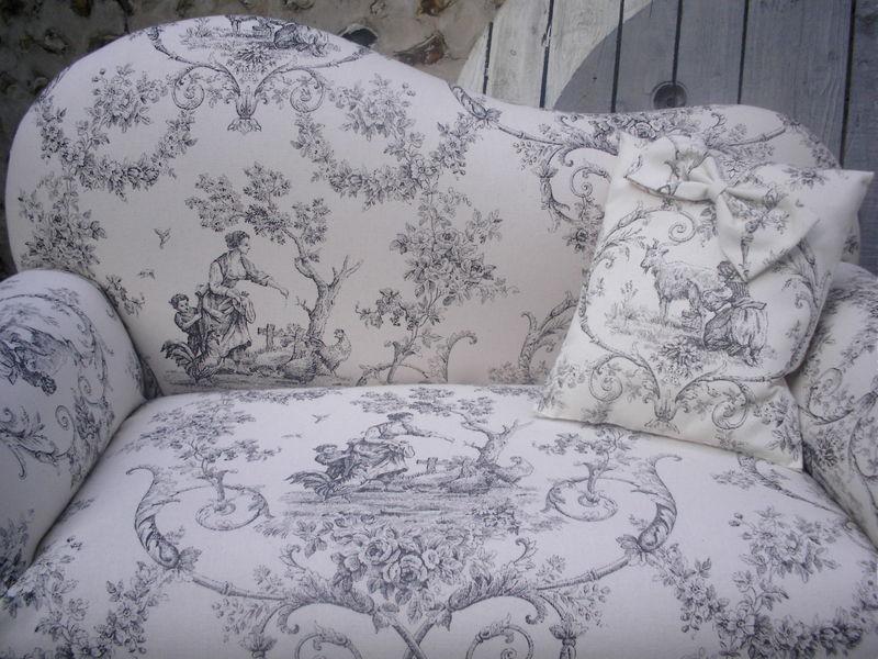 petit canape toile de jouy pour enfant sage deco passion. Black Bedroom Furniture Sets. Home Design Ideas