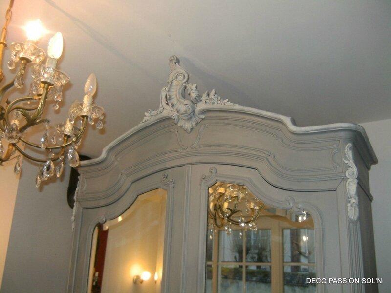 meubles-et-rangements-armoire-rocaille-patinee-grise-ivoi-3262687-baroque-2060-00-001-0192c_big