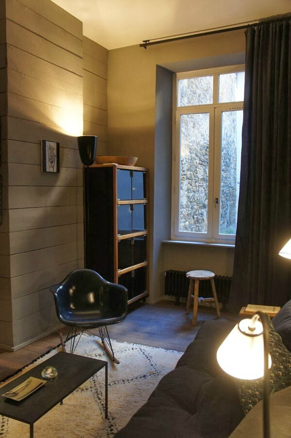 un appartement gris tr s cosy sonia saelens d co. Black Bedroom Furniture Sets. Home Design Ideas