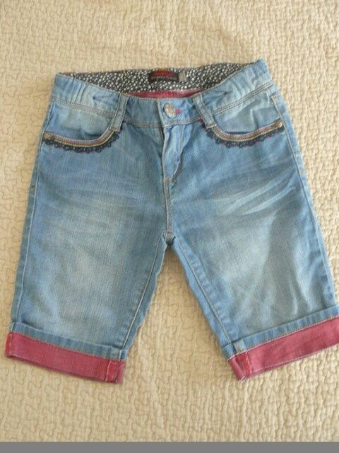 8ans fringues kids ( jupe pepe 10A et diesel taille7) 093
