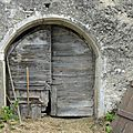 Portes de fermes dans le Jura