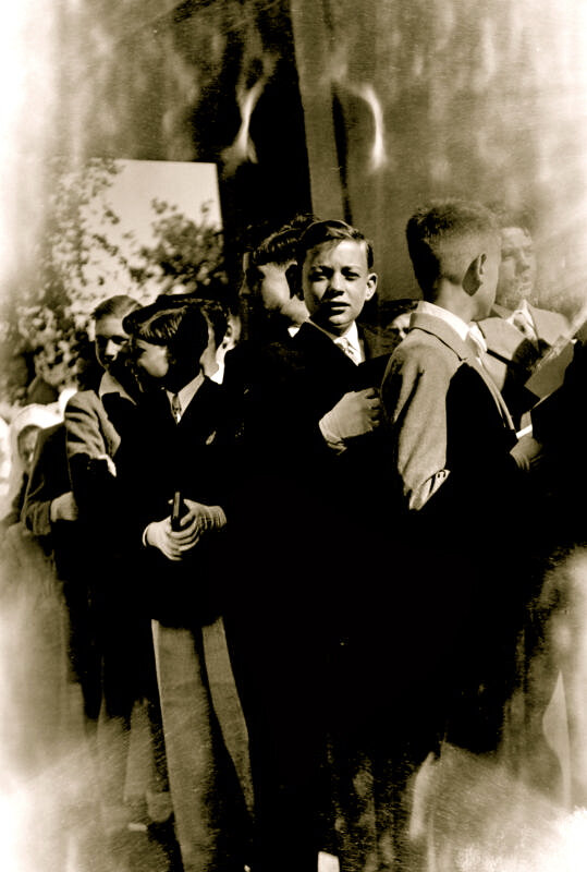communion_solennelle-Eglise_Saints-Martyrs_Cliché Kynel1949_Collection-Roger Beau