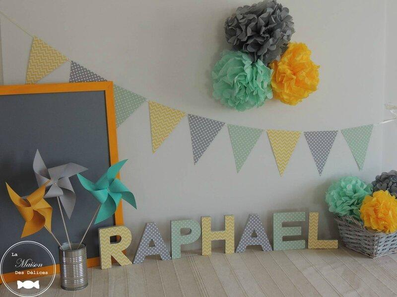 decoration pompon jaune vert mint gris mariage bapteme baby shower guirlande fanion guirlande fanion3