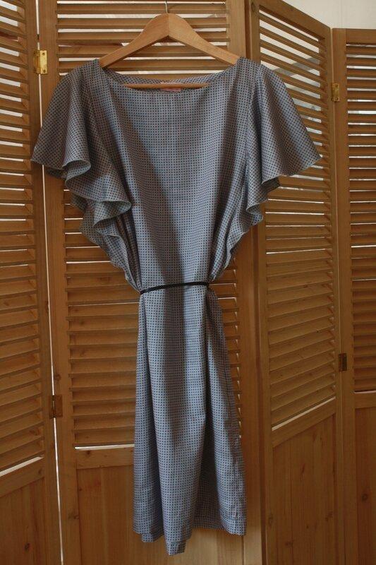 Robe à manches papillon en satin de coton, 45€