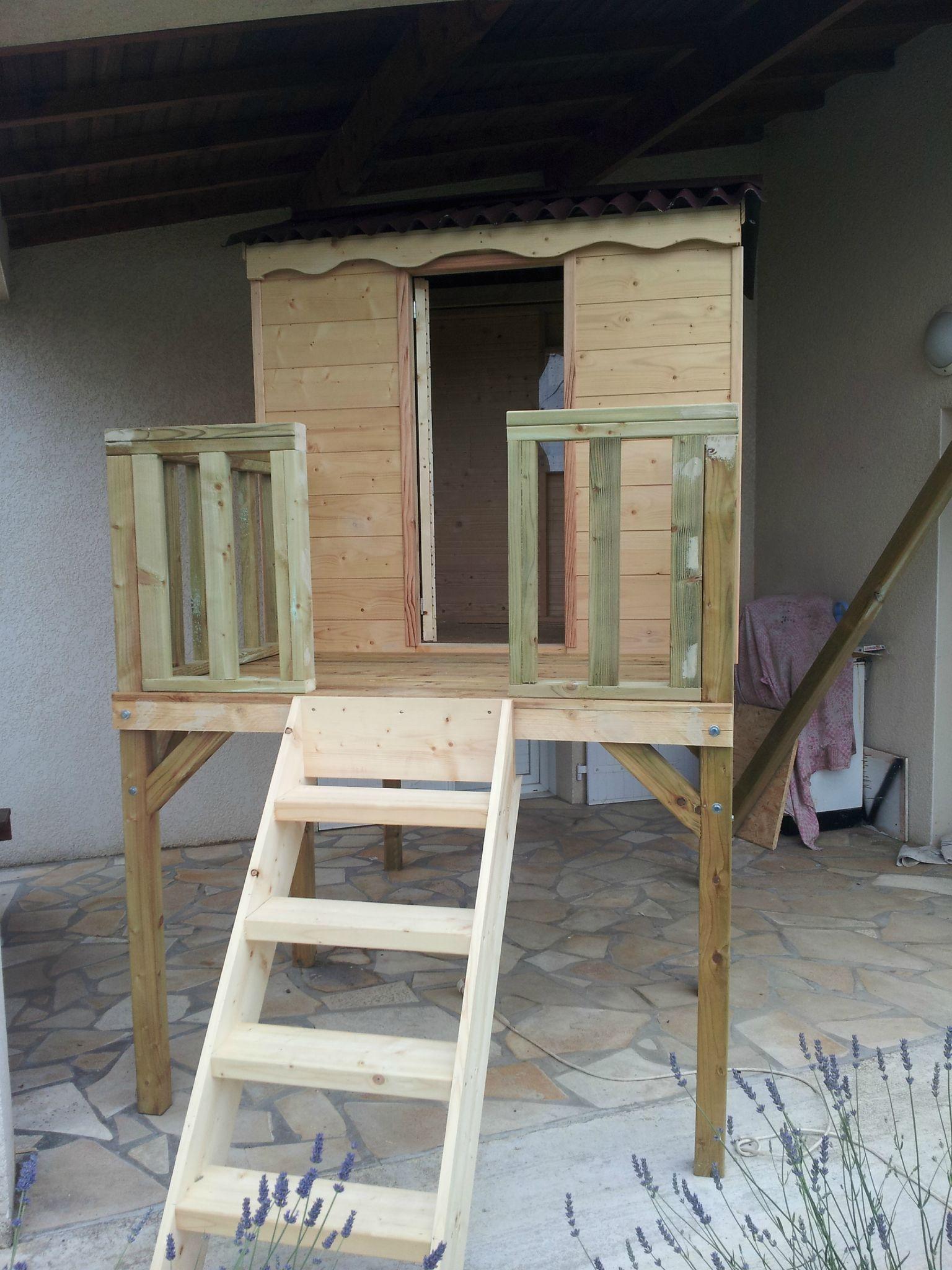 cabane sur pilotis avec portique pour deux balan oire. Black Bedroom Furniture Sets. Home Design Ideas