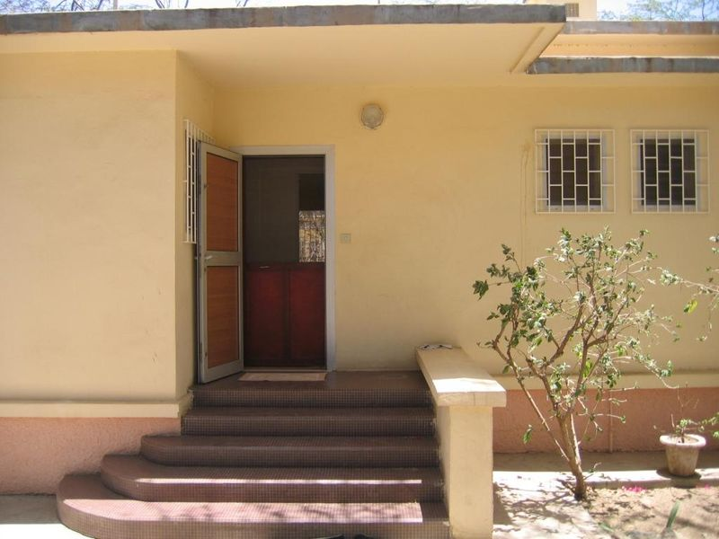 entr e maison photo de 2008 notre maison vue par les locataires pr c dents le blog de la. Black Bedroom Furniture Sets. Home Design Ideas