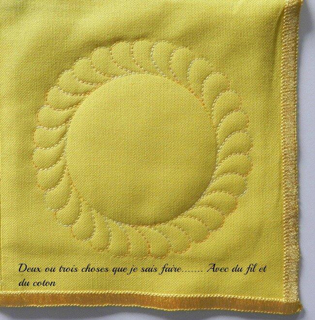 coin quilté nappe bleue et jaune2