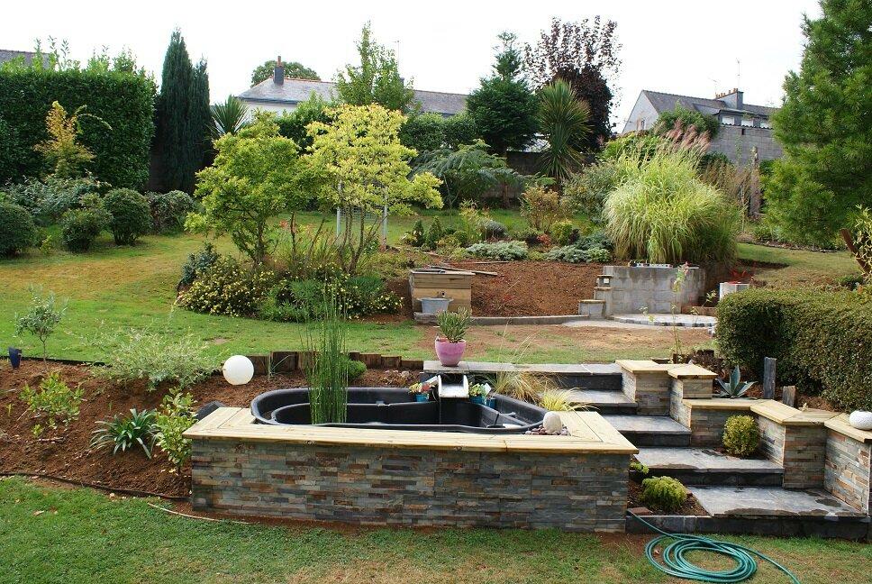 Talus avec escalier et bassin album photos le jardin for O jardin des beautes