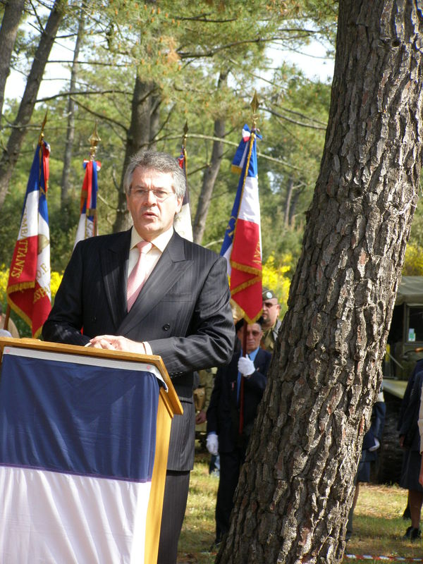 Son Excellence l'Ambassadeur de Gde Bretagne