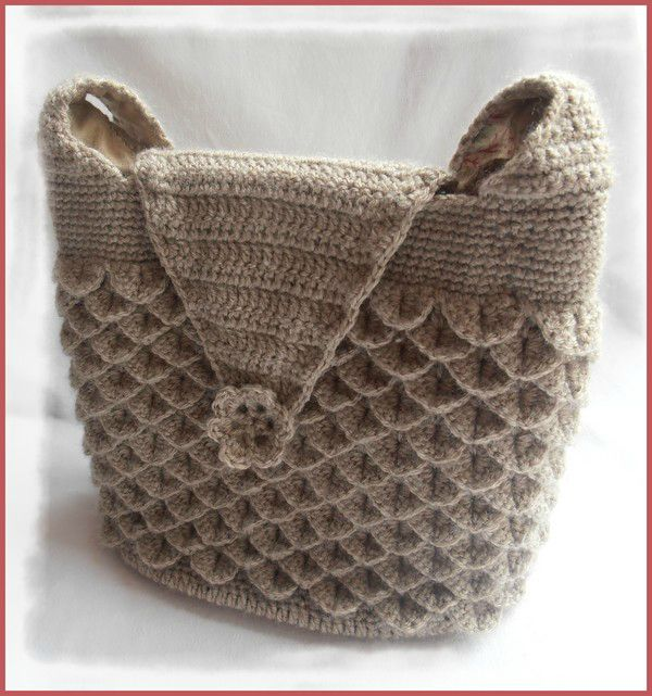 mon sac au crochet point crocodile valoucreatissus. Black Bedroom Furniture Sets. Home Design Ideas
