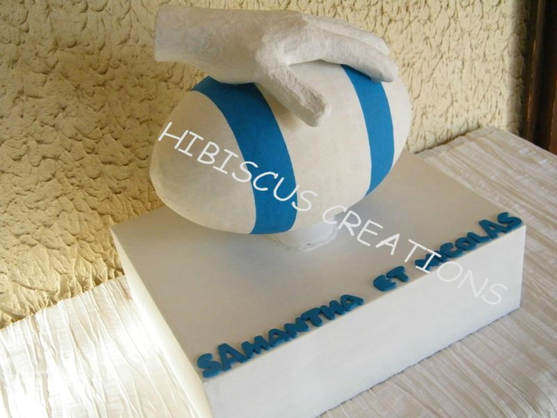 Urne Rugby Ton blanc et turquoise (8)
