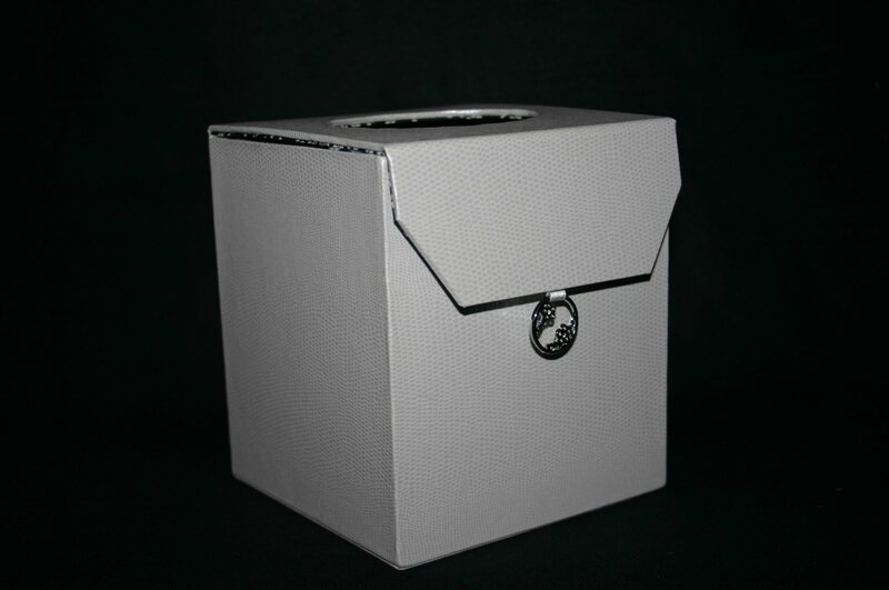 boite à mouchoirs 001